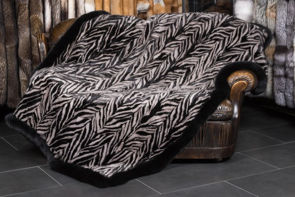 Mink Pieces Blanket with Black Fox Frame